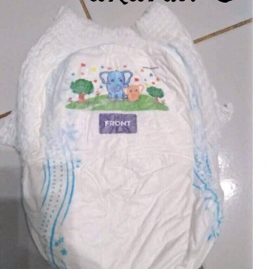 baby diapers / pampers